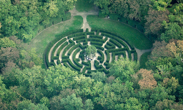 chenonceau_maze_aerial_view