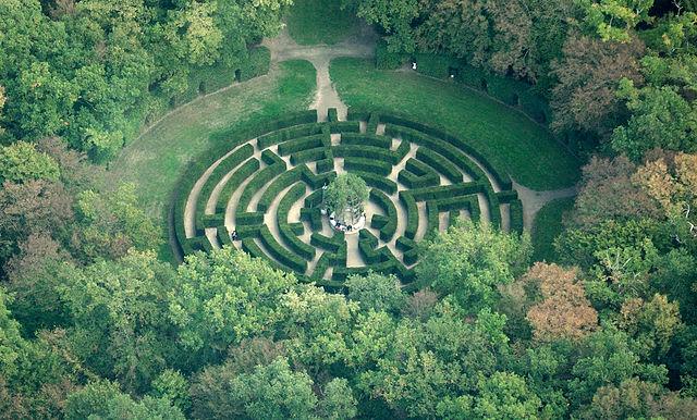 chenonceau_maze_aerial_view